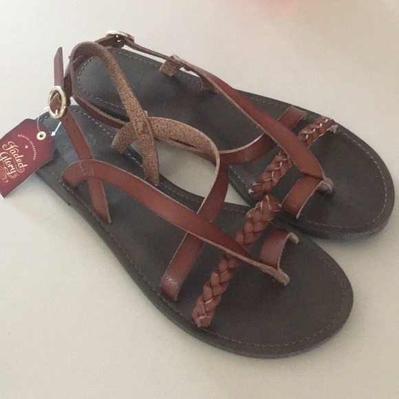 eeb3f2d4f73 Women s sandals NWT